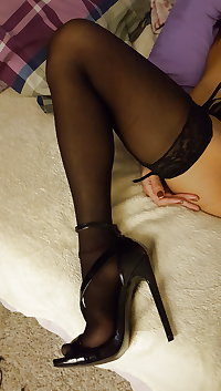 Sexy Filipina gf in stockings and heels