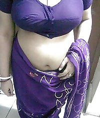 indian aunty curvy belly and hips