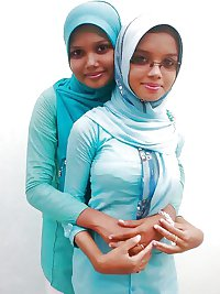 Muslim Girls ... Your Hijab Is So Tight!