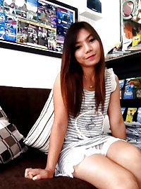 Our Thai Girl Friend Sweet  Dar. First time Naked photos