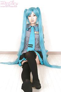 Hatsune Miku sexy cosplay