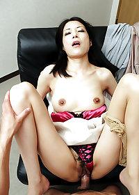 Japanese milf creampie fuck