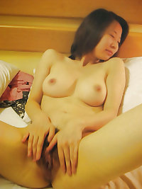 Pretty faces and pussy (Asian)